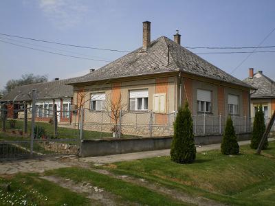 haus in ungarn zu verkaufen detailinformationen zu haus c 351 der magyar k ria. Black Bedroom Furniture Sets. Home Design Ideas